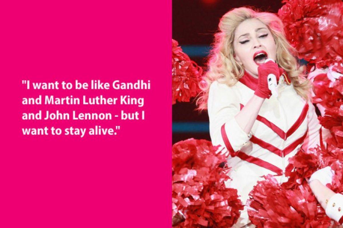"""Quisiera ser ocmo Gandhi, Martir Luther King o John Lennon, pero quiero vivir"" Madonna Foto:Guff"