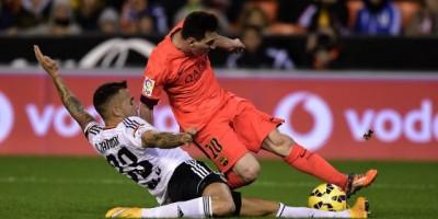 El Barcelona gana en el último suspiro y sigue en el segundo lugar