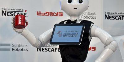 FOTOS: Presentan robots vendedores de café