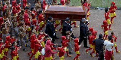 ¿Por qué en redes sociales hablan del fantasma de Chespirito en su funeral?
