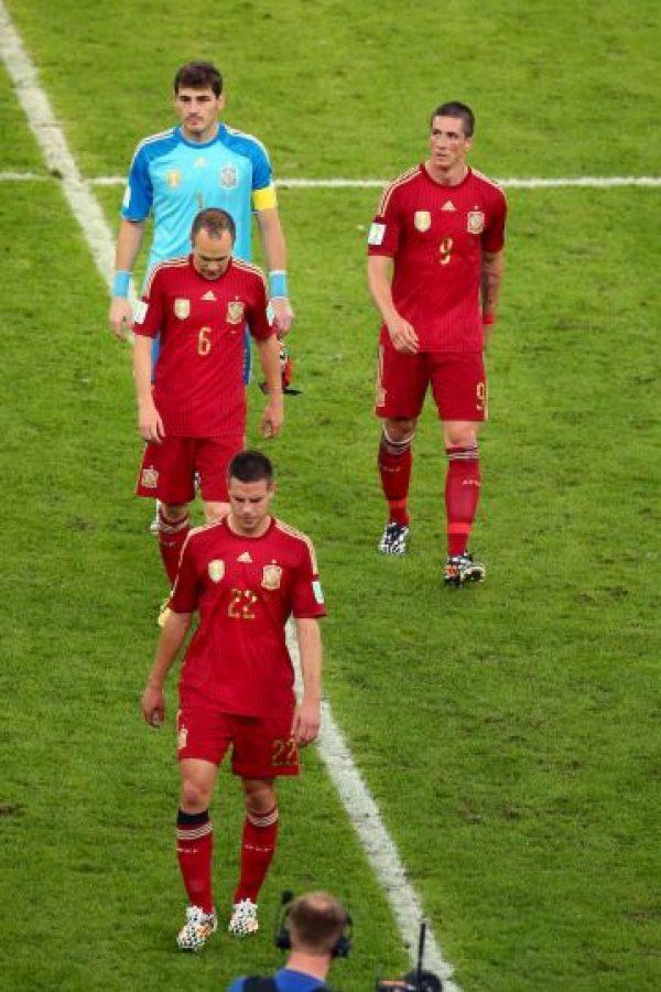 España llegaba como campeón defensor al Mundial y se fue por la puerta de atrás eliminiado en la fase de grupos Foto:Getty