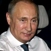 Ha ejercido el cargo de Presidente de Rusia en tres ocasiones (2000-2004) (2004-2008) y 2012-2016. En el periodo en el que no estuvo al frente de la presidencia fue nombrado Primer Ministro. Foto:Getty Images