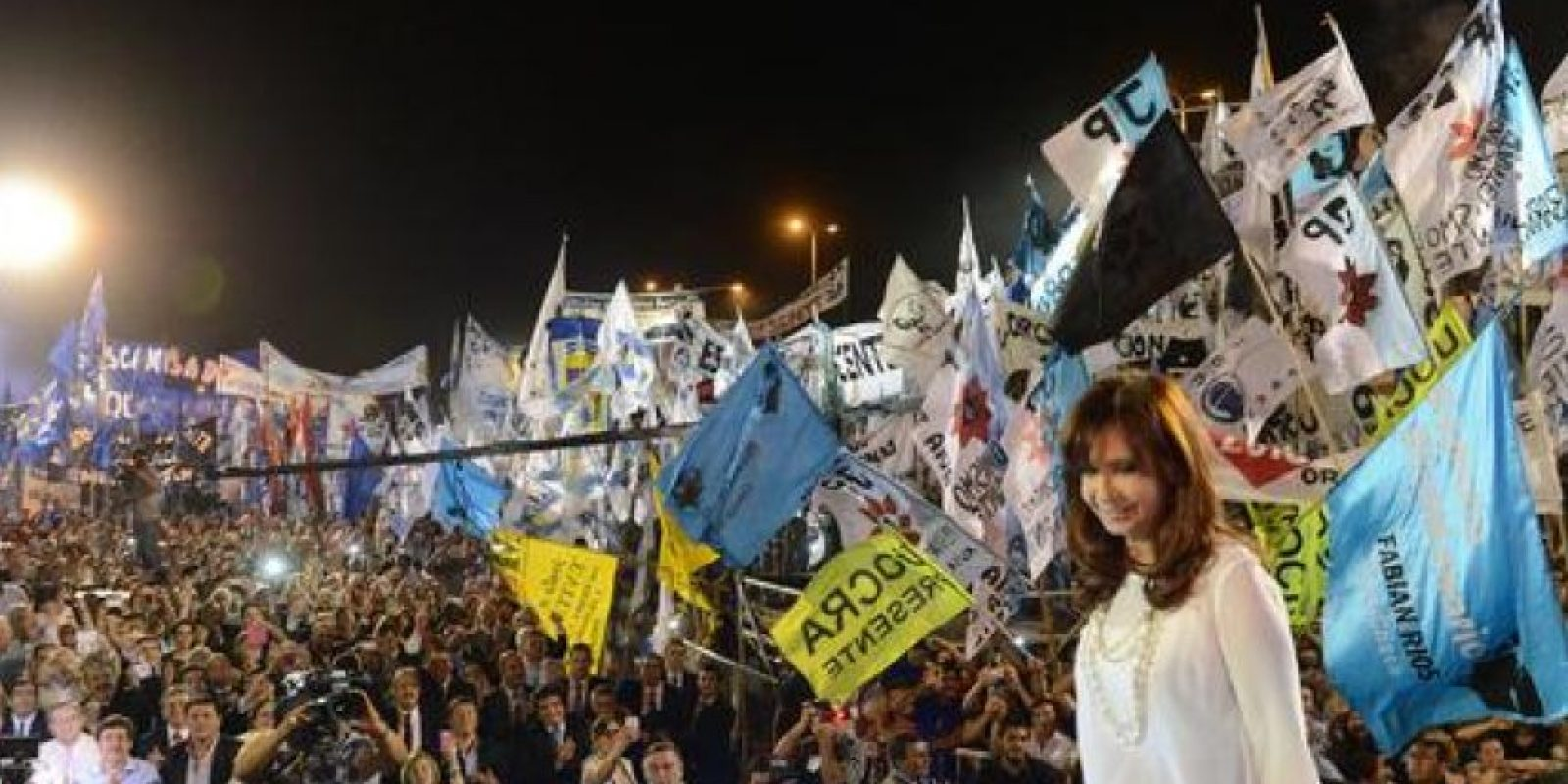 En 2007 asumió la presidencia de Argentina, puesto que había desempeñado su esposo Néstor Kirchnner. En 2011 decidió postularse a la reelección. Su periodo presidencial termina en 2015. Foto:Twitter @CFKArgentina