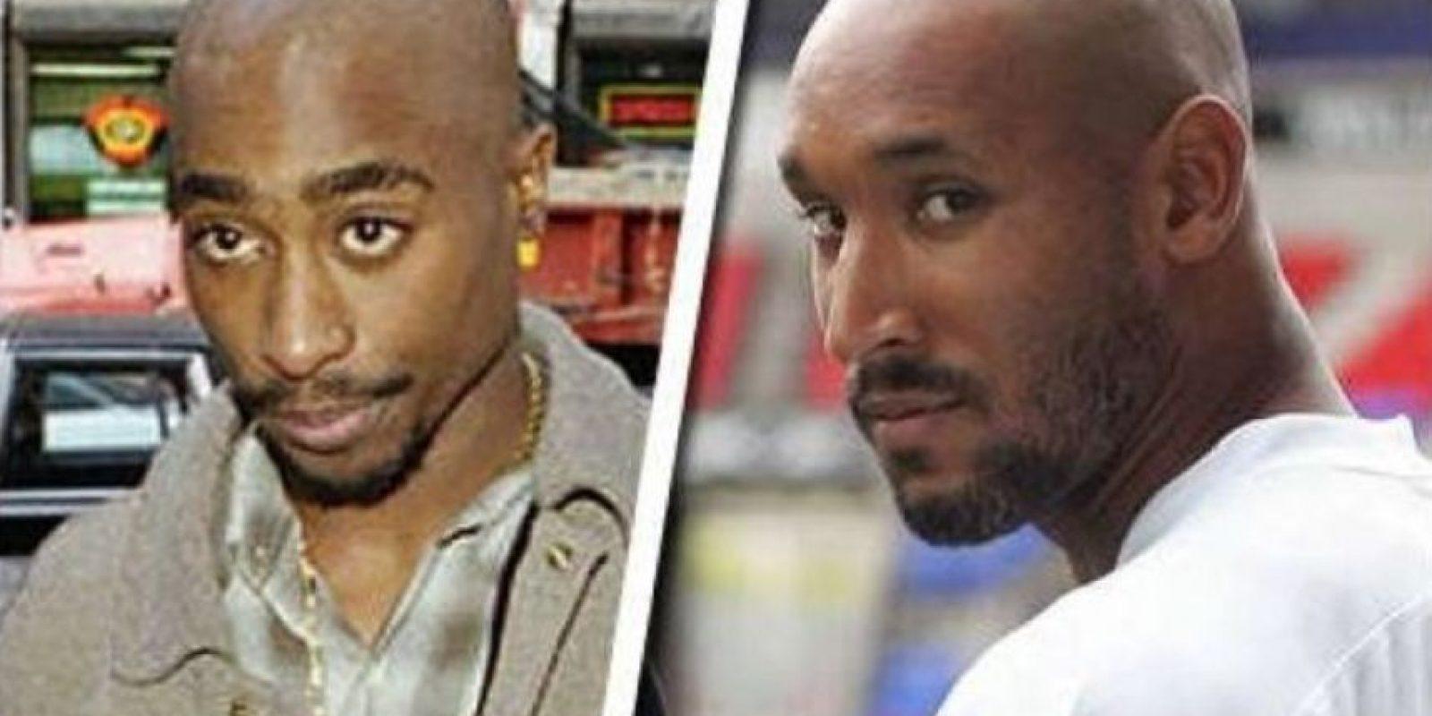 En un lado el difunto rapero Tupac y en el otro el francés Nicolás Anelka Foto:Twitter