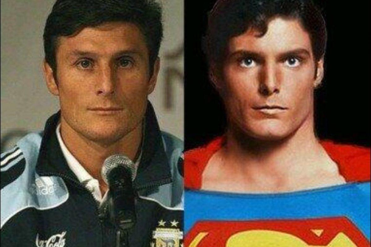 No están viendo doble. En un lado se encuentra el ex futbolista argentino Javier Zanetti y en el otro Superman, interpretado por Christopher Reeve Foto:Twitter
