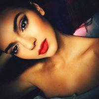 Kendall Jenner es modelo. Suele posar con o sin maquillaje. Cuando lo hace, es de forma muy natural. Foto:Instagram