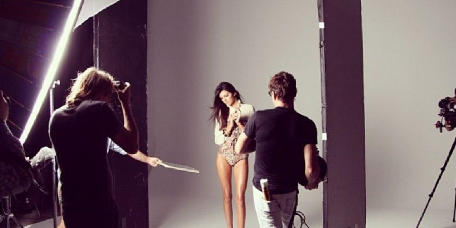 Kendall Jenner ha tratado de abrirse por sí sola un camino en la moda. Pero la fama de su familia también ha influido. Sin embargo, ella ha llegado a portadas de grandes revistas como Vogue. Y ha desfilado para icónicas firmas. Foto:Vogue