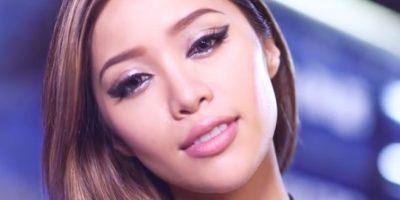 """4. Creaste tu línea de maquillaje Em como un """"reflejo"""" de tus fans. ¿Ellos reaccionaron bien a los productos? Foto:Youtube/Michelle Phan"""