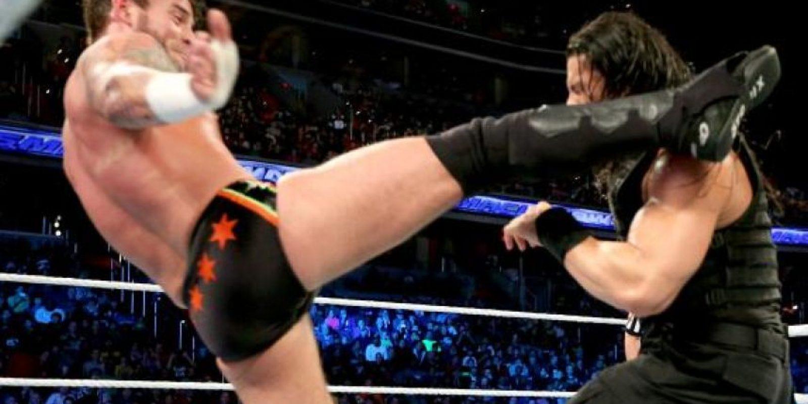 Vince McMahon también le negó acompañar a un peleador de la UFC para promocionarse Foto:WWE