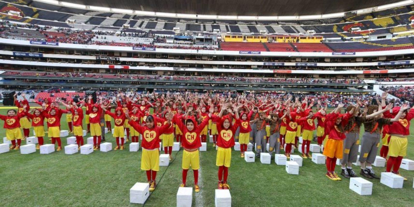 Posteriormente abrieron diversas cajas blancas para liberar palomas en honor al comediante Foto:Pedro Álvarez – Facebook.com/EstadioAztecaOficial