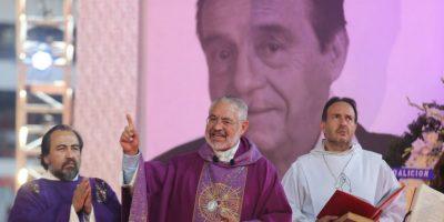 Monseñor Diego Monroy fue el encargado de llevar esta misa. Foto:Pedro Álvarez – Facebook.com/EstadioAztecaOficial