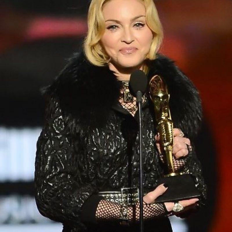 Madonna recibió amenazas de muerte por sus creencias religiosas, por parte de grupos islamistas en 2009, cuando ella comenzó a estudiar la Cábala, y otras más, después defender a la comunidad homosexual de la discriminación en Rusia. Foto:Getty Images
