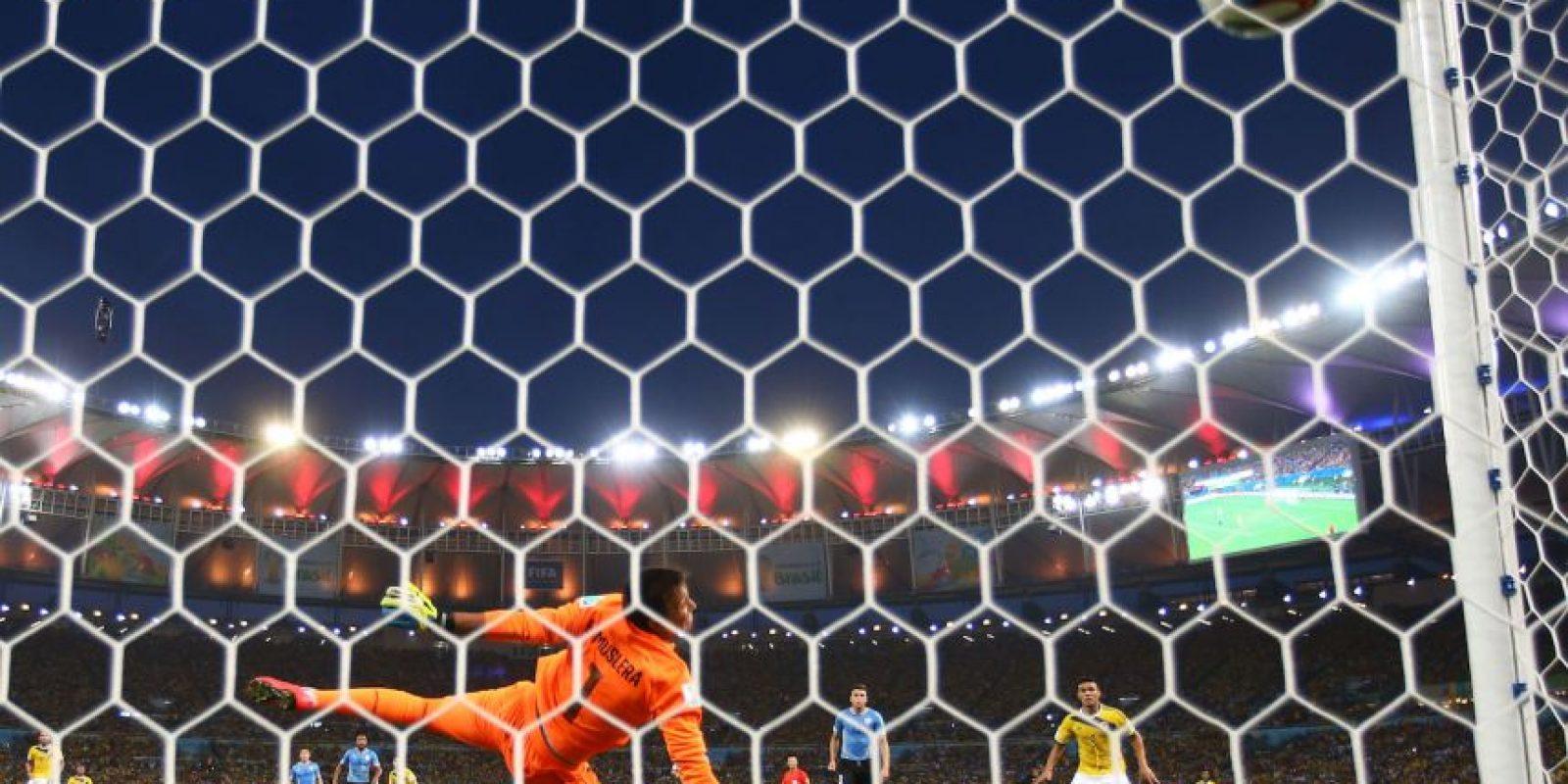 Un tiro fuera del área que el golero charrúa, Fernando Muslera, no pudo contener Foto:Getty Images