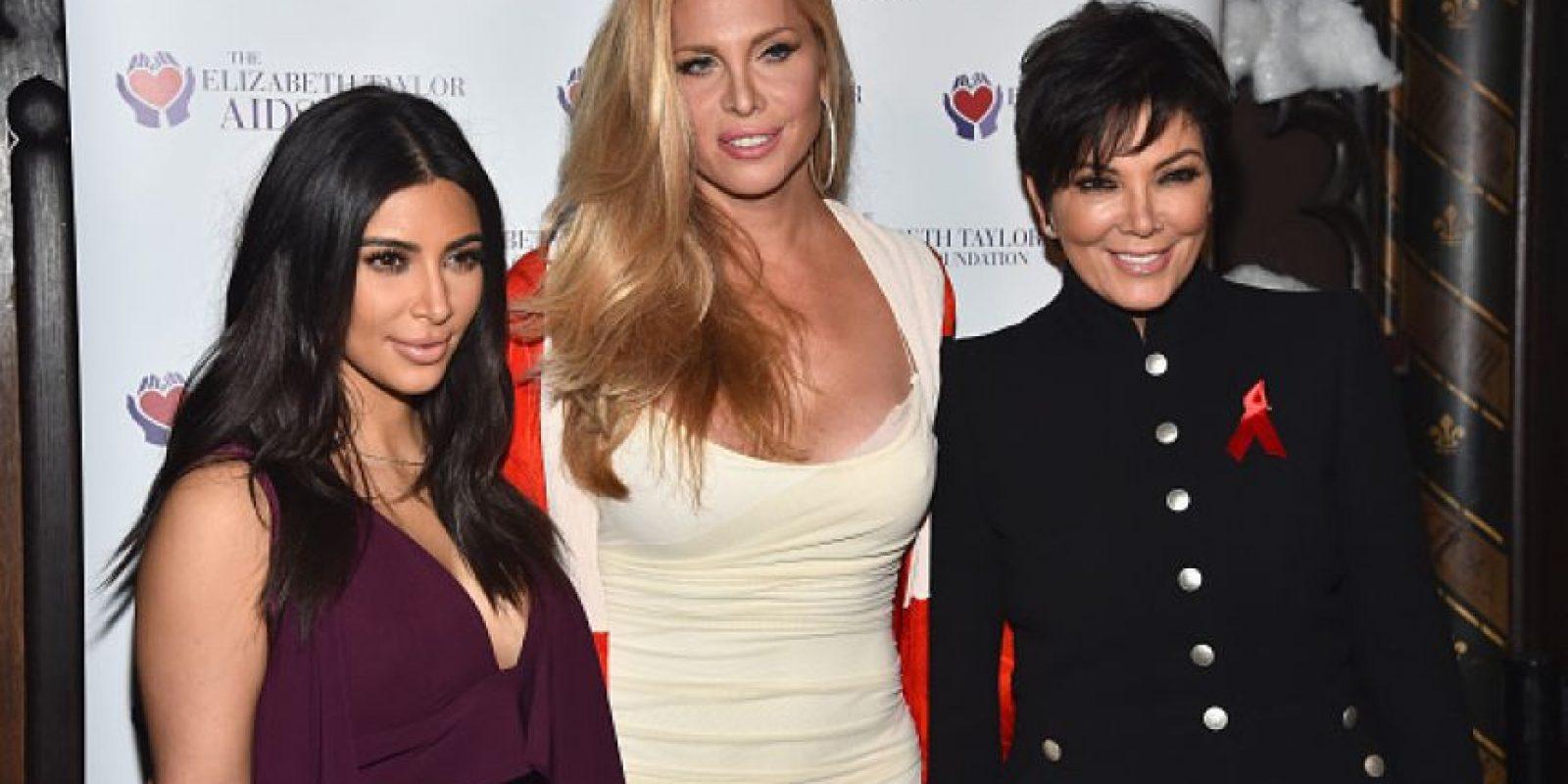 En Hollywood, la familia Kardashian participó en un evento de la Fundación contra el SIDA de Elizabeth Taylor Foto:Getty Images