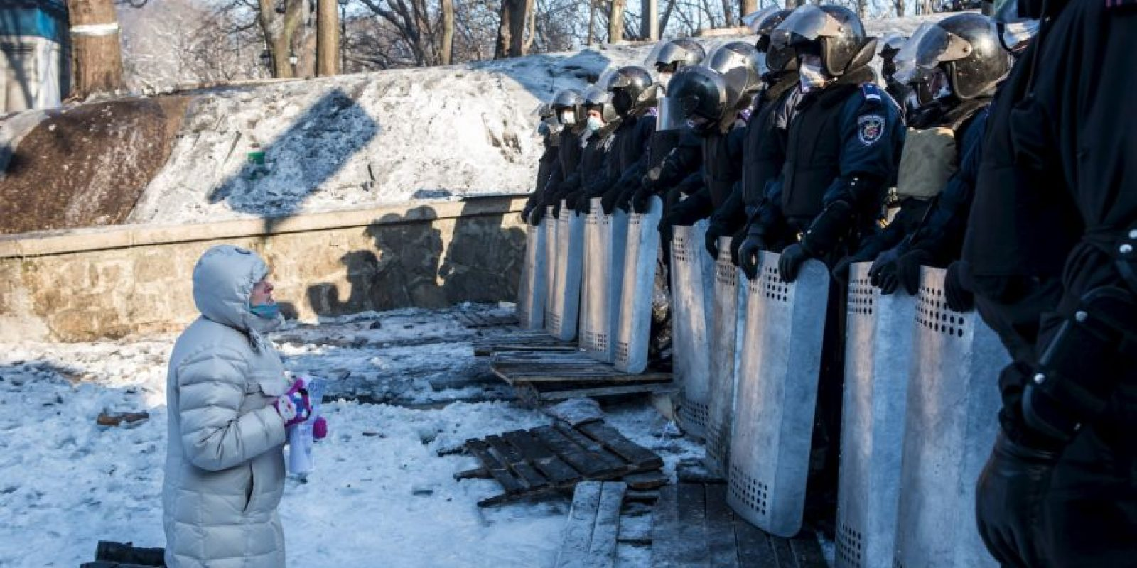 Mueren 5 personas en enfrentamientos entre manifestantes y la policía en Kiev. Son las primeras víctimas mortales de la crisis ucraniana. Foto:Getty Images