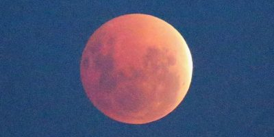 Eclipse lunar produce el fenómeno de la Luna roja o Luna de Sangre. Foto:Getty Images