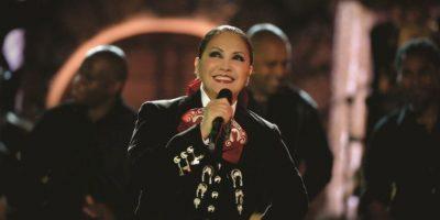 Entrevista: Ana Gabriel encantada de cumplir 40 años de carrera