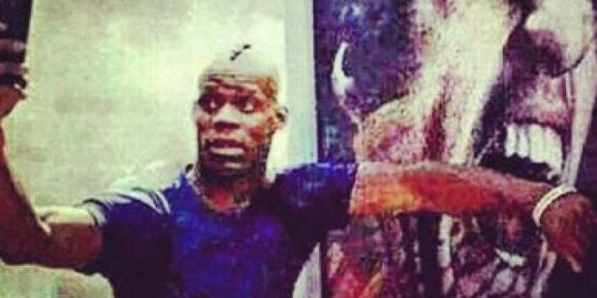 Mario Balotelli simula ser mordido por Luis Suárez en polémico selfie