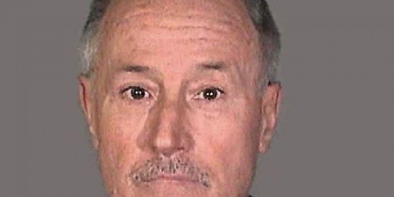 Mark Berndt fue maestro durante 30 años. En actos de sadomasoquismo obligó a niños a comer galletas con su semen. Foto:Policía de Los Ángeles