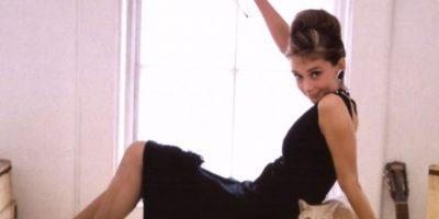 La esbeltez se impuso con íconos como Audrey Hepburn o Twiggy. Foto:Wikipedia