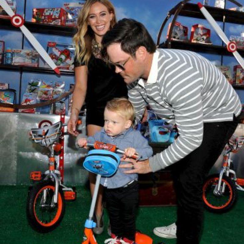El jugador caandiense de hockey sobre hielo y la cantante estadounidense se casaron en 2010. Tienen un hijo de dos años pero se separaron en enero de 2014. Foto:Getty Images