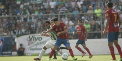 Municipal dominó durante todo el partido en el estadio Pensativo. Foto:Publinews