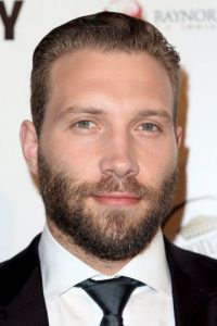 "El actor australiano Jai Courtney tiene 28 años de edad y participó en la serie ""Spartacus: Blood and Sand"". Foto: Getty Images"