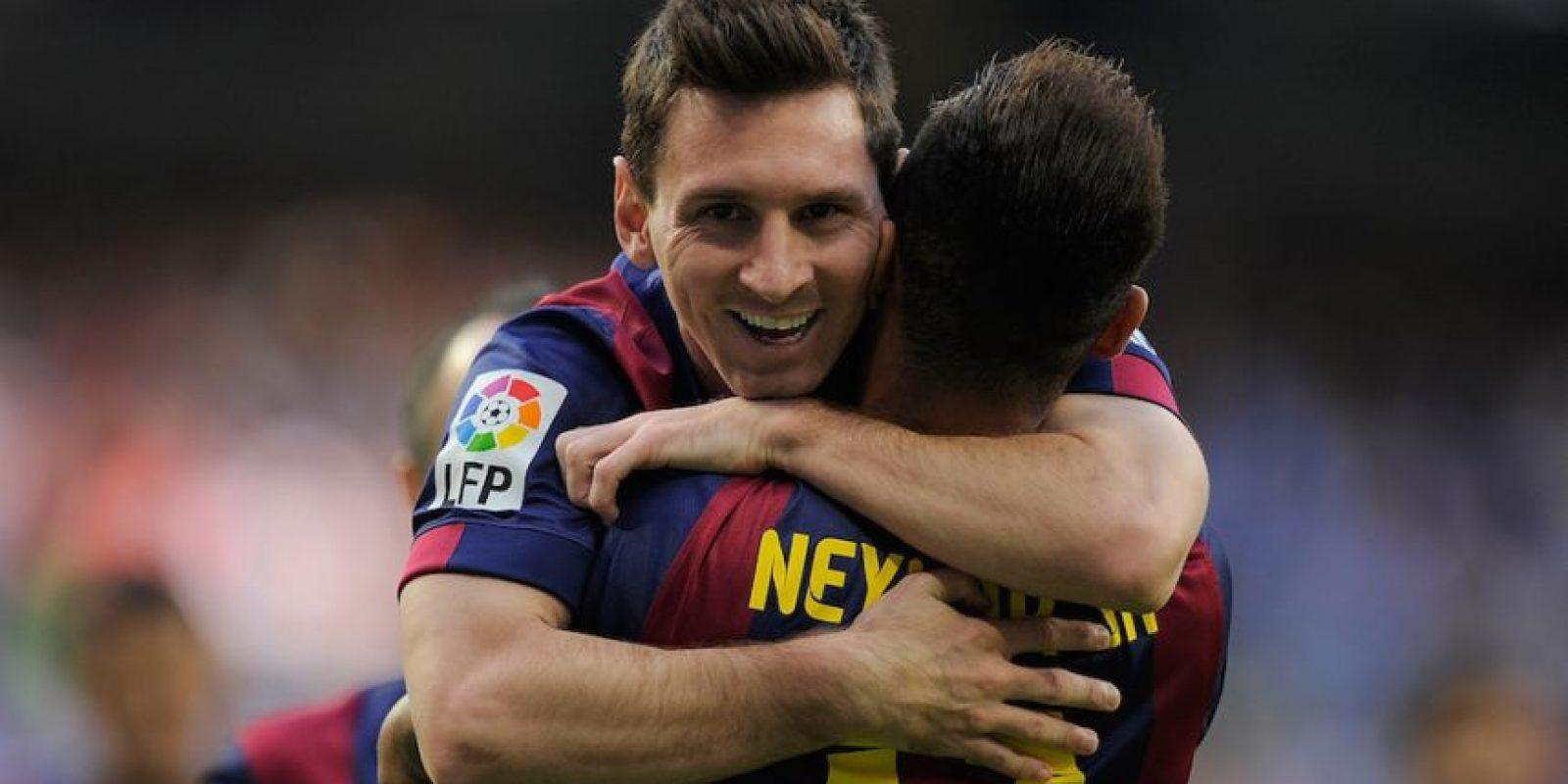 Los abrazos entre Messi y Neymar son comunes. Foto:Getty Images