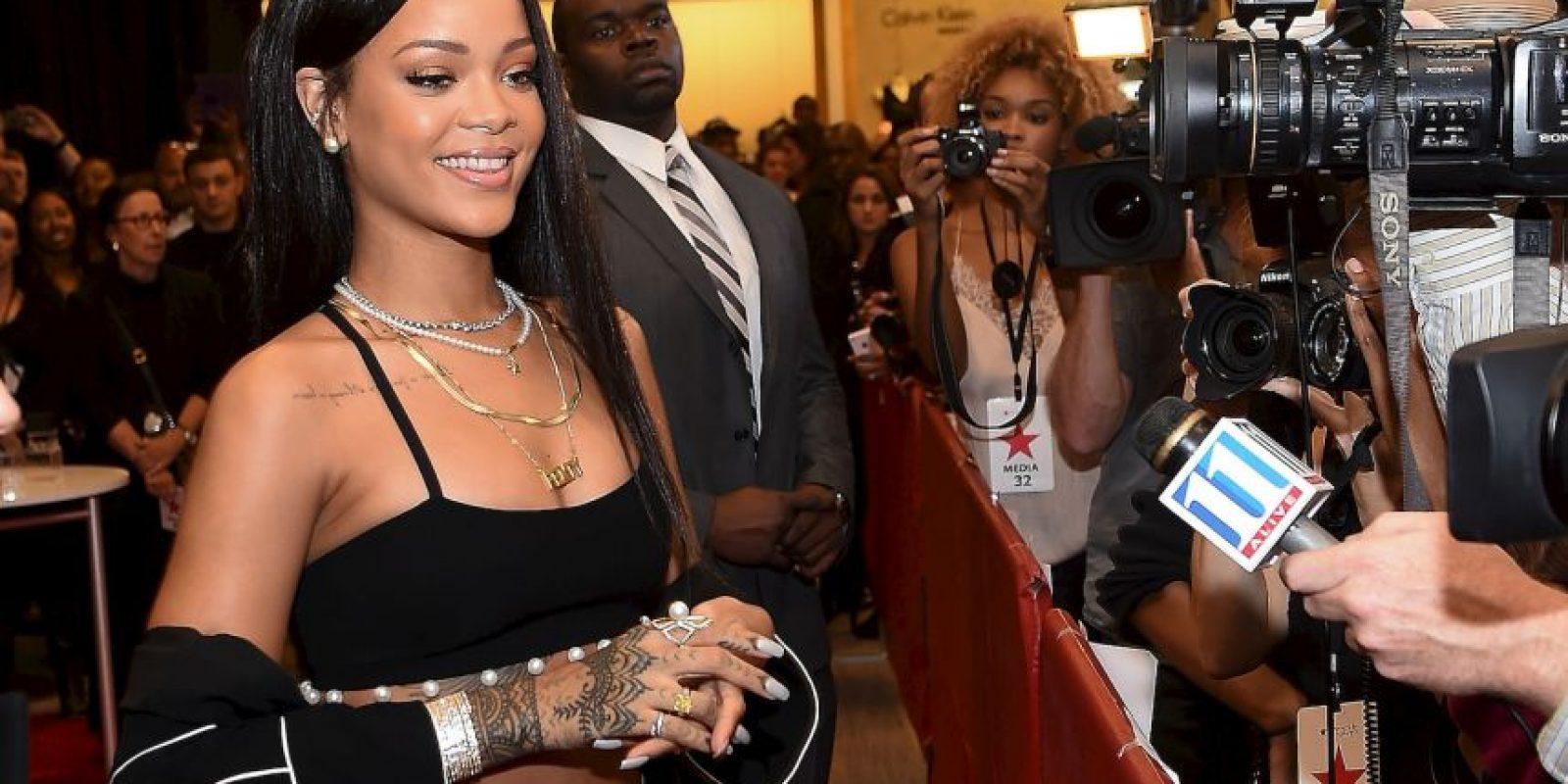 Rihanna es conocida por reinventar constantemente su estilo e imagen Foto:Getty Images