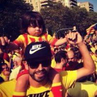 Piqué fue criticado por acuidr a las marchas por la independencia de Cataluña con su hijo pero representar a la Selección española. Foto:Getty Images