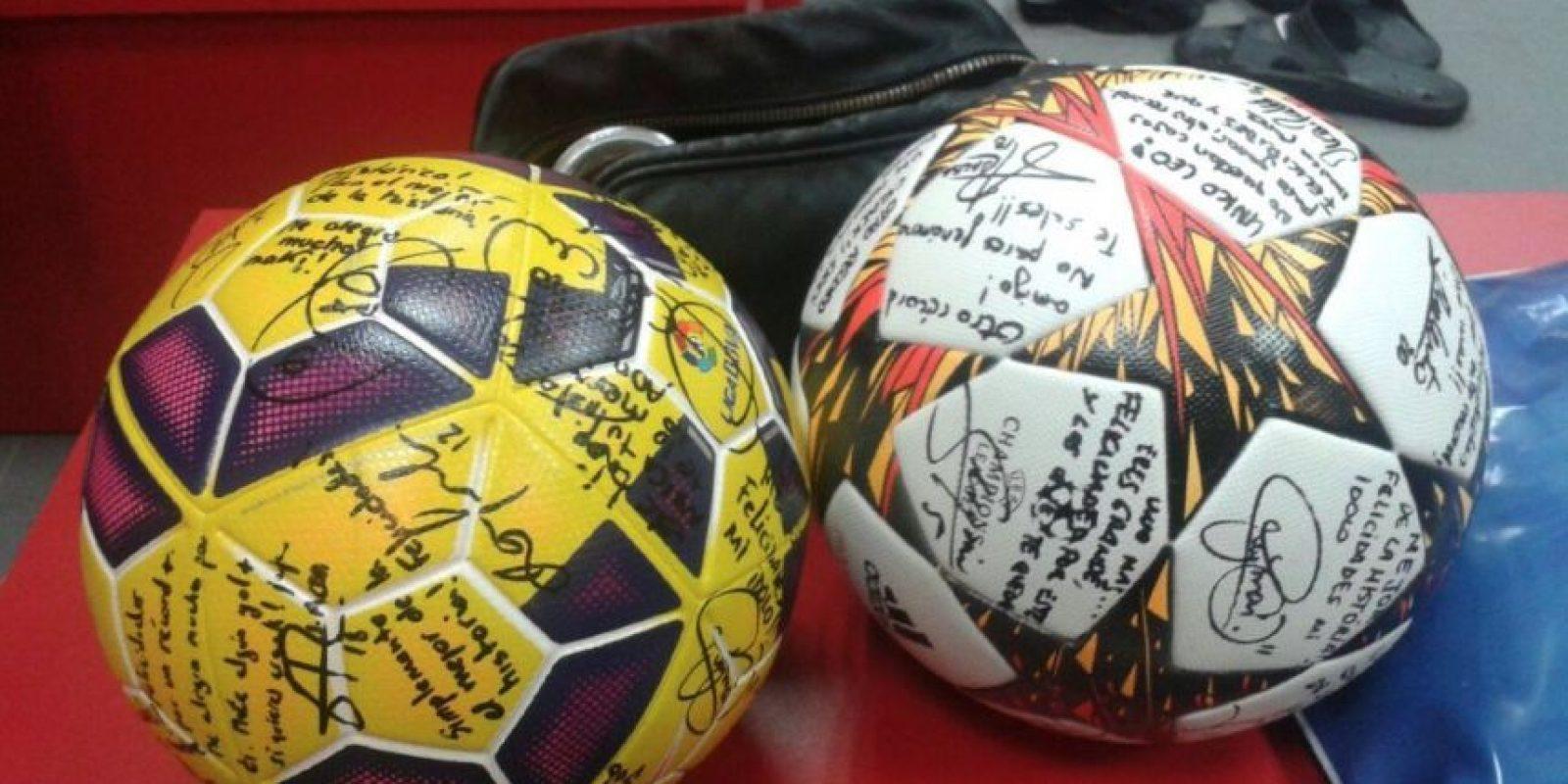 El regalo que recibió Leo Messi de sus compañeros de club. Foto:facebook.com/LeoMessi