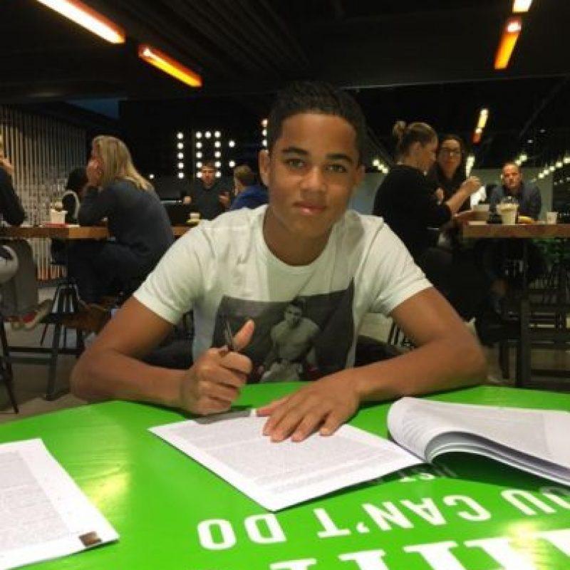 Su otro hijo Justin también juega en las inferiores del Ajax Foto:Twitter: @patrickkluivert