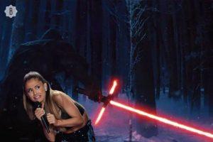 """Ariana se asusta con las armas de """"Star Wars"""" Foto:Bustle.com"""