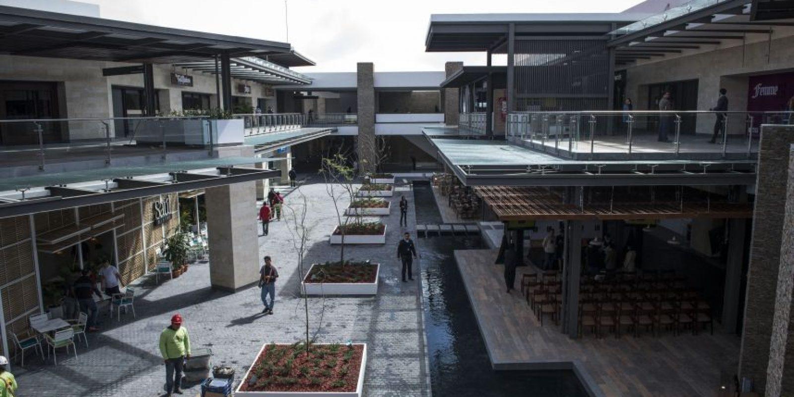 Tiene 3,000 m2 de plazas y espacios al aire libre Foto:Oliver de Ros