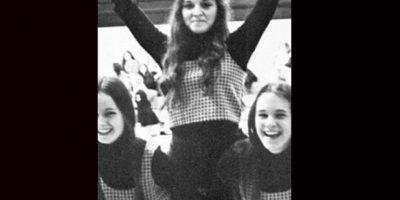 Antes de ser la reina del pop, Madona fue parte del grupo de animación de Rochester Adams High School Foto:Twitter