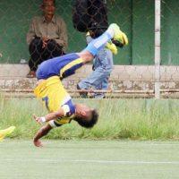 El hindú de 23 años falleció después de anotar un gol y celebrar con una pirueta. Desafortunadamente cayó con el cuello lo que le costó la vida Foto:Youtube: elmundo deportivo24