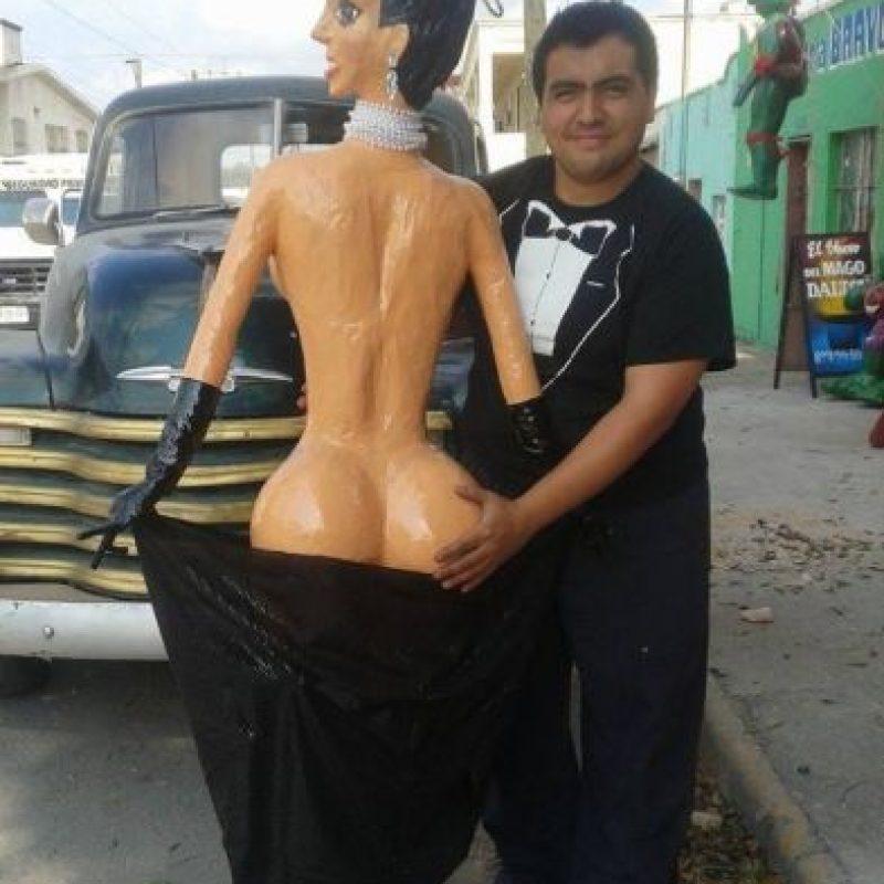 """De todo se ha hecho con el trasero de Kim Kardashian en """"Paper"""". Ahora también hay piñatas Foto:Piñatería Ramirez"""