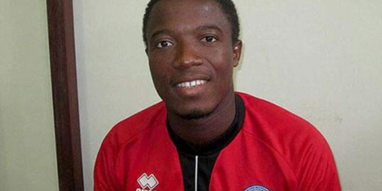 El portero togolés perdió la vida, luego de que un delantero le pisara la cabeza Foto:Twitter