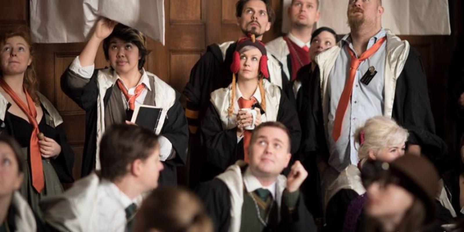 En este juego de rol, los concursantes viven y visten como los personajes de J.K. Rowling. Foto:Facebook/ John-Paul Bichard