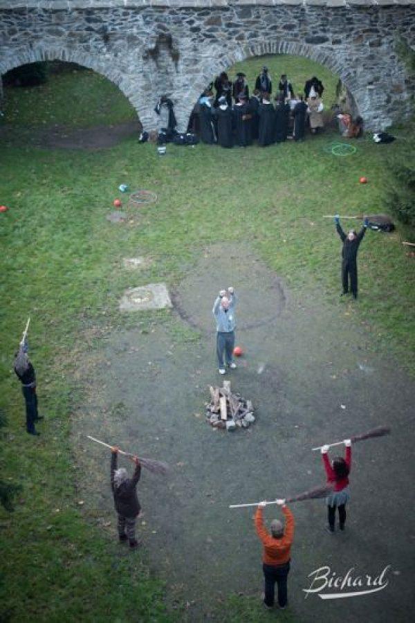 """Practican deportes como en el universo de """"Harry Potter"""". Foto:Facebook/ John-Paul Bichard"""