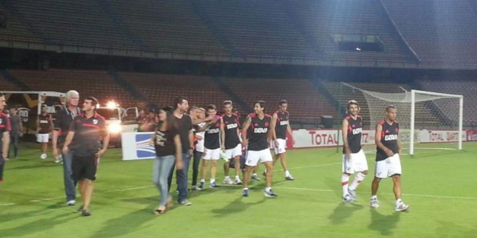 River Plate ya reconoció el estadio Atanasio Girardot Foto:Twitter: @CARPoficial