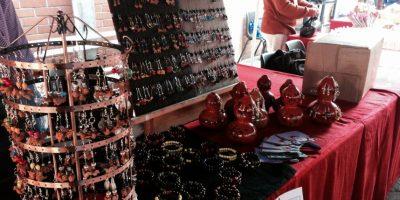 Junkabal realiza bazar navideño a beneficio del programa de becas