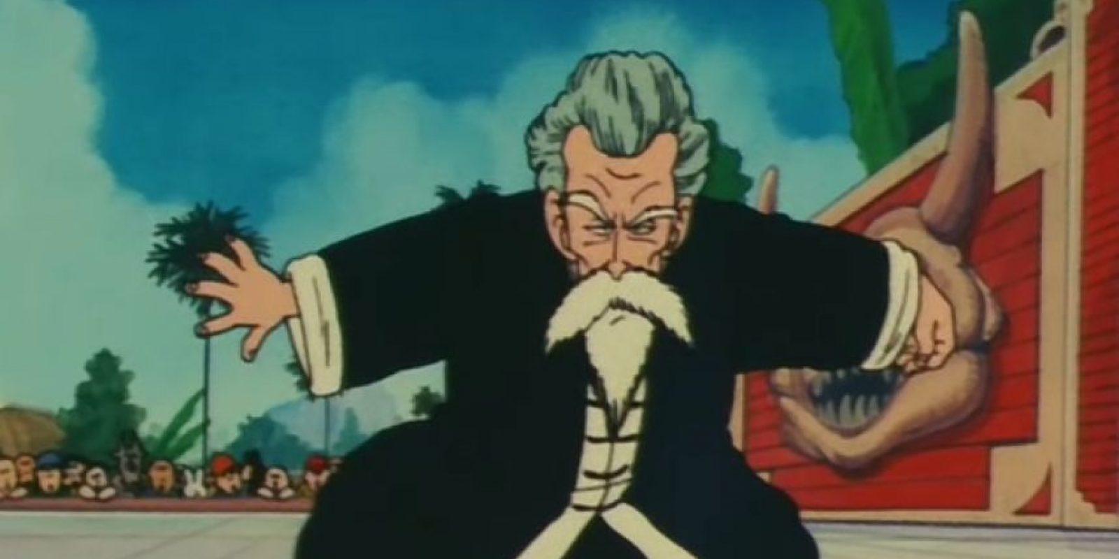 """1. El maestro Roshi vence a Gokú en combate como el maestro """"Jackie Chun"""" Foto:Toei"""