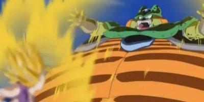Cell despliega su poder para explotar con la Tierra. Foto:Toei