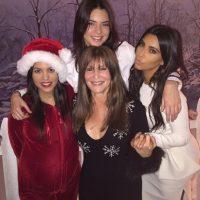 Las Kardashian con Shelli Azoff Foto:Instagram @kimkardashian