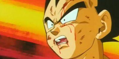 Lo hace mientras lo ve peleando con Majin Boo. Foto:Toei