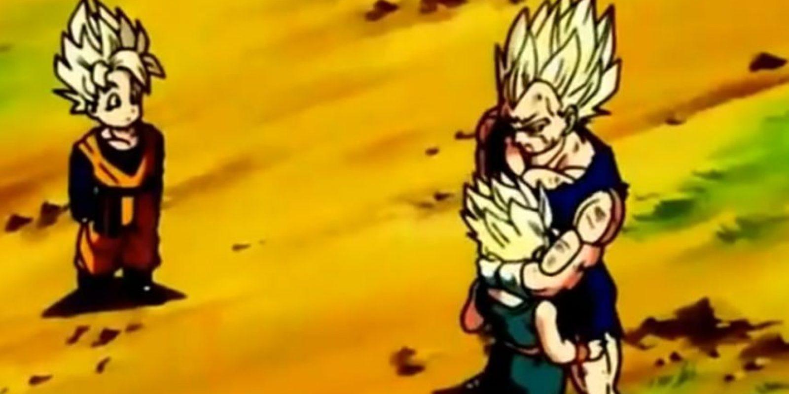 Le pide a su hijo un abrazo. Foto:Toei
