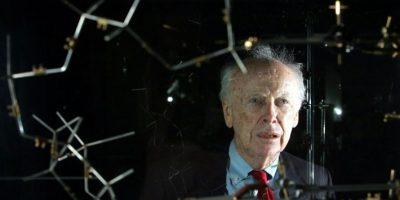 Polémico científico vende su Premio Nobel por más de 4 millones de dólares