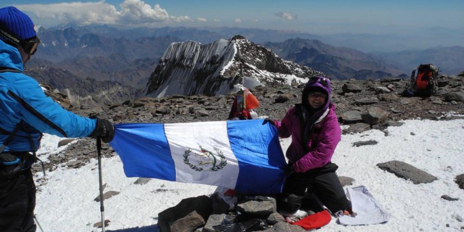 Bárbara Padilla, quien lleva 23 años como andinista espera reunir a 10 mil personas en el ascenso al Pacaya. Foto:Facebook Bárbara Padilla