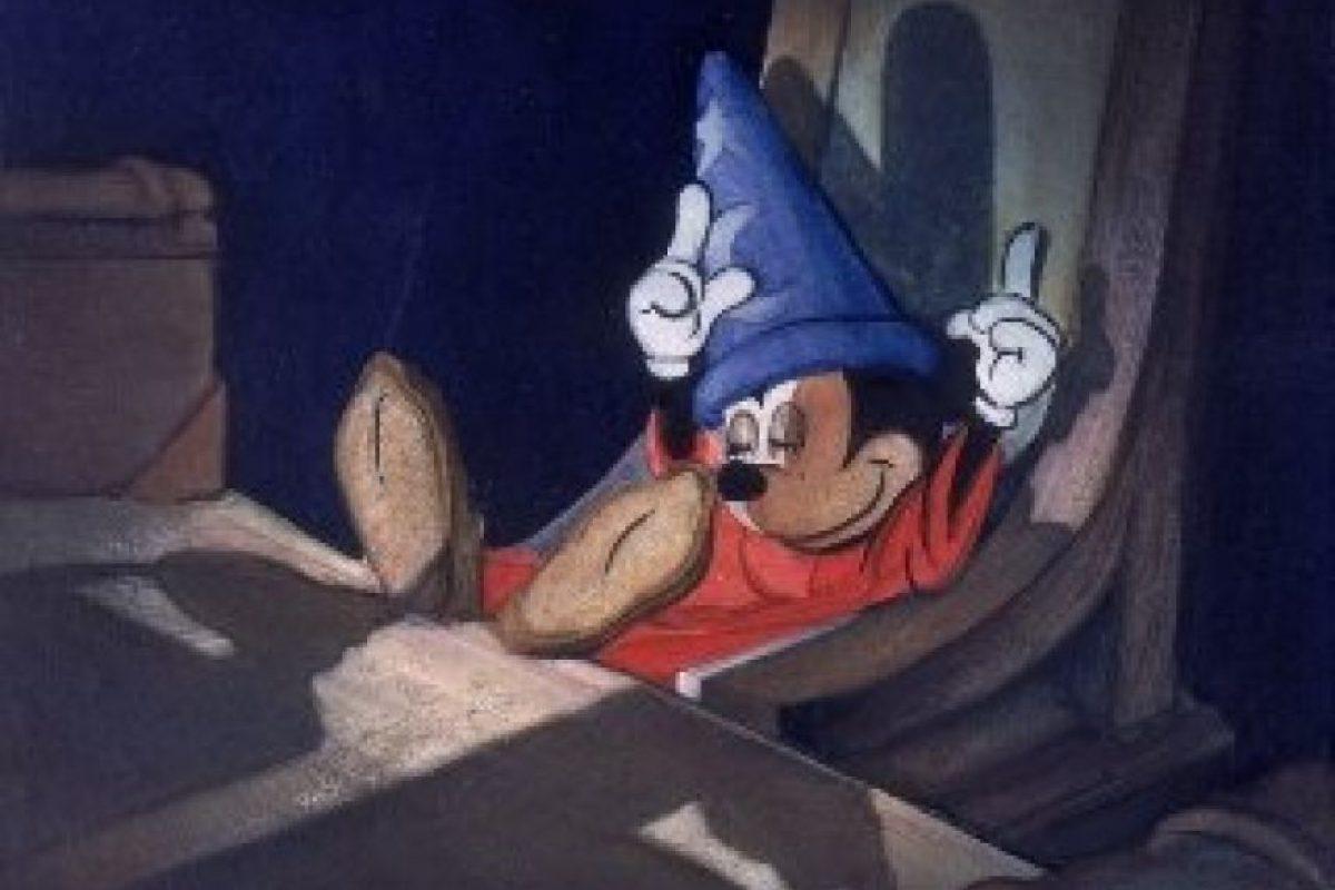 """En 1940, Mickey se viste de mago para su primer largometraje """"Fantasy"""" Foto:Facebook/Walt Disney Animation Studios"""